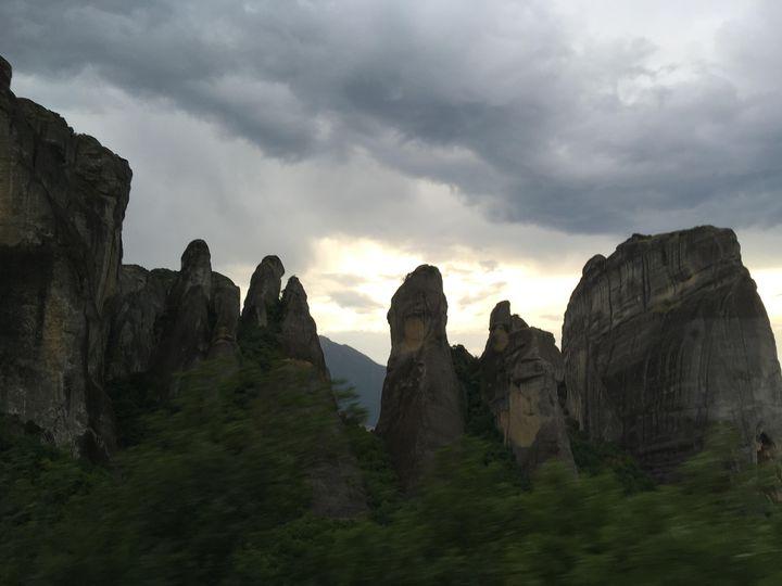 ギリシャ・メテオラの奇岩が見えるおすすめレストランとホテルをご紹介!