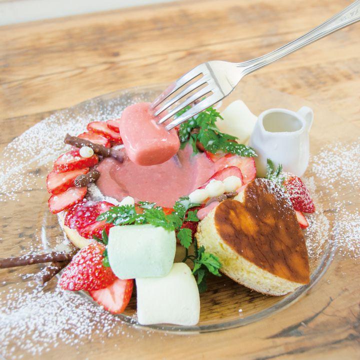 """【終了】ハートのパンケーキが可愛い!""""カフェ アクイーユ""""からバレンタインメニュー登場"""
