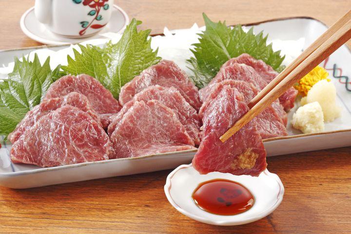 普通のお肉に飽きちゃった人へ!東京都内で極上馬肉料理を味わえる店10選