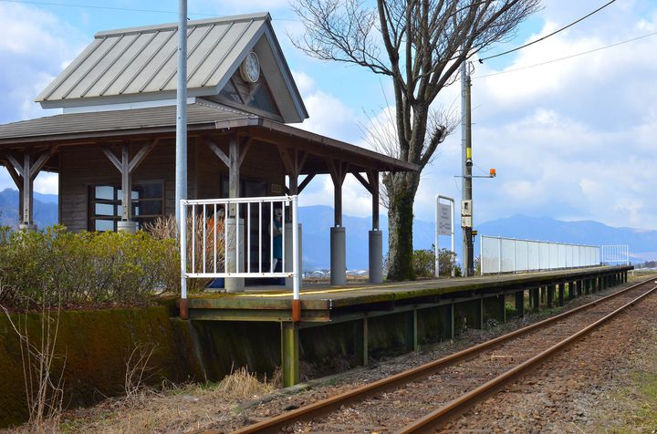 """あのCMのロケ地として話題に。熊本県""""南阿蘇鉄道""""の「見晴台駅」に行きたい"""
