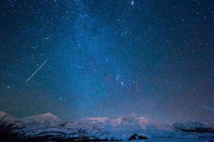 """流れ星が瞬く素晴らしい夜。""""2018年に見られる注目の流星群""""まとめ"""