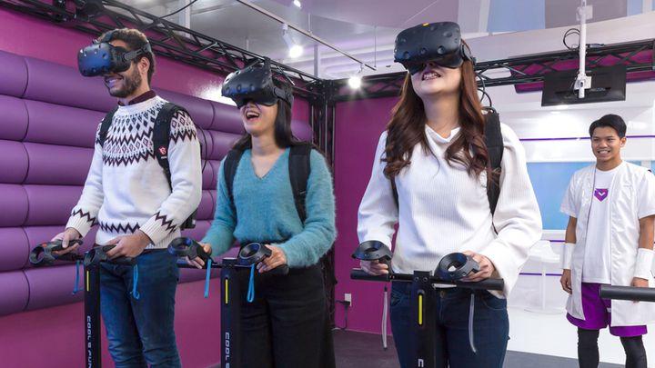 最新VR体験とレストランが融合!「VREX」が新宿にOPEN