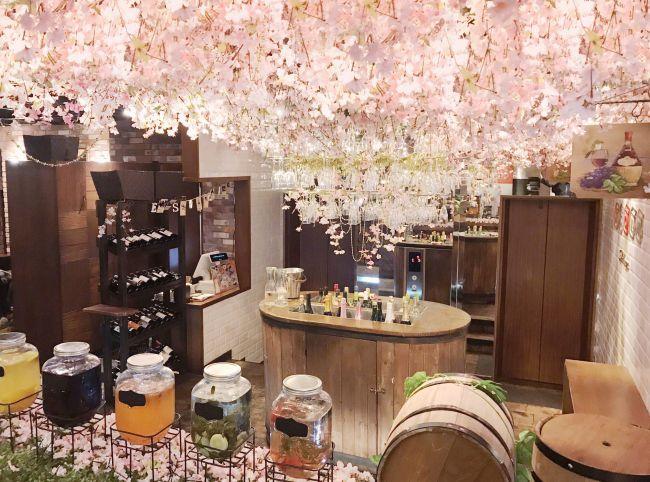 【終了】桜のシャンデリアで乾杯!渋谷「お花見バルESOLA」期間限定でオープン