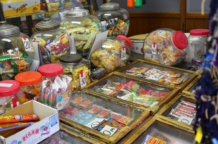 大人になっても宝の山。東京近郊の昔懐かしい駄菓子屋8選