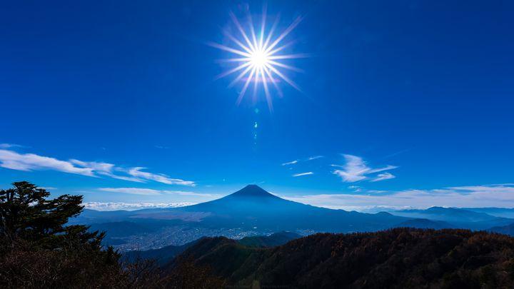 """開運の山に行こう!山梨県・富士五湖の""""三ツ峠""""に登りたい"""