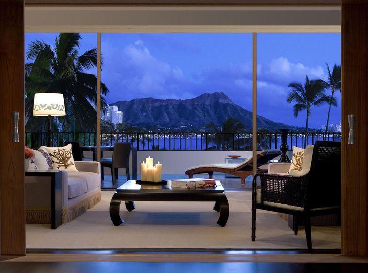 愛が深まるハワイ旅に!カップルで泊まりたいオアフ島の贅沢ホテル10選