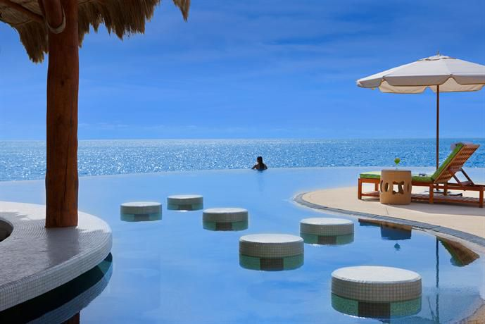 インフィニティプールのあるホテル9選!地平線が見える無限のプールとは