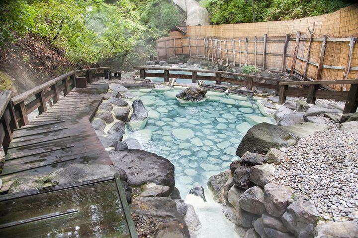 絶景+温泉=究極の癒し。「東北の日帰り絶景露天風呂」7選