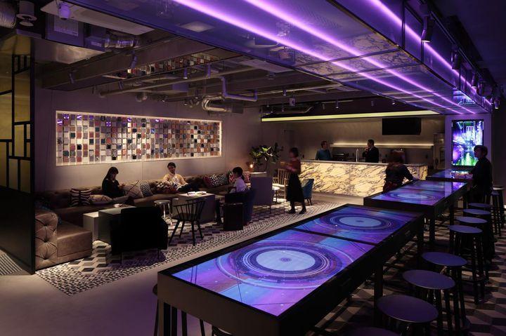 """ニューオープンの""""未来型カプセルホテル""""。「ザ・ミレニアルズ渋谷」って?"""