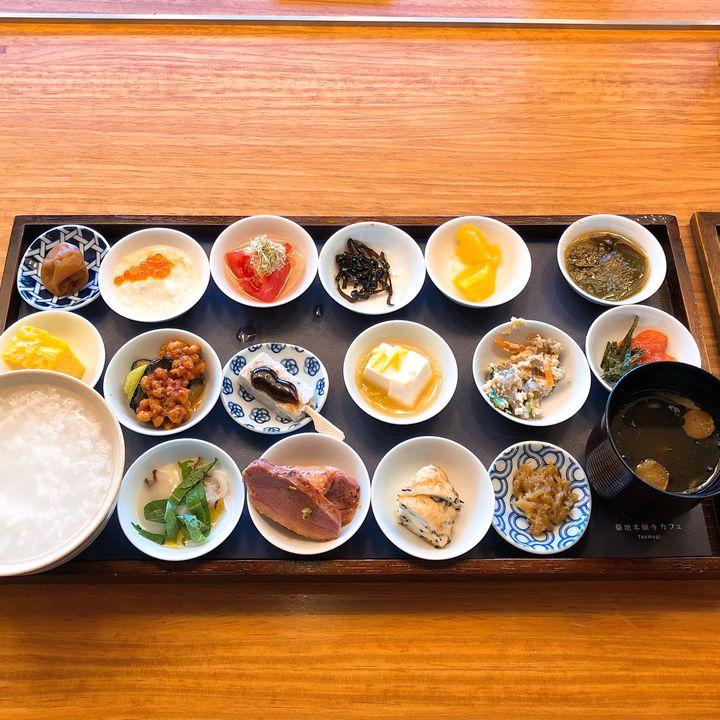 おしゃれでヘルシーな究極朝食!築地本願寺でいただく18品の朝食が魅力的すぎる