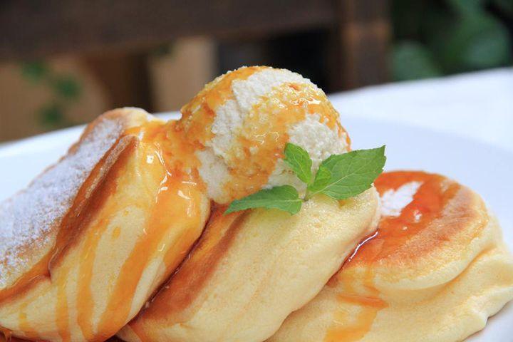 """""""ふわふわ食感""""がここでも!「幸せのパンケーキ」町田にオープン"""