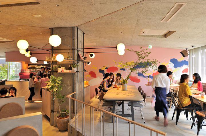 """女子旅で行きたい!""""CAFE×HOSTELの新感覚宿泊施設""""京都にオープン"""