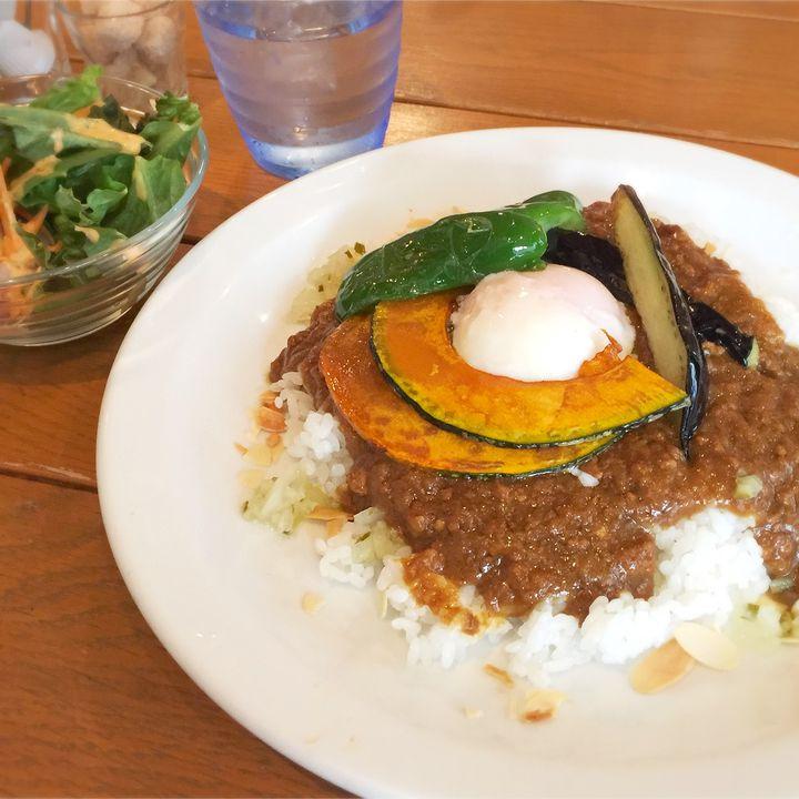 """隠れ家カフェで過ごす""""自分時間""""。横浜「Lu's CAFE」をご紹介"""
