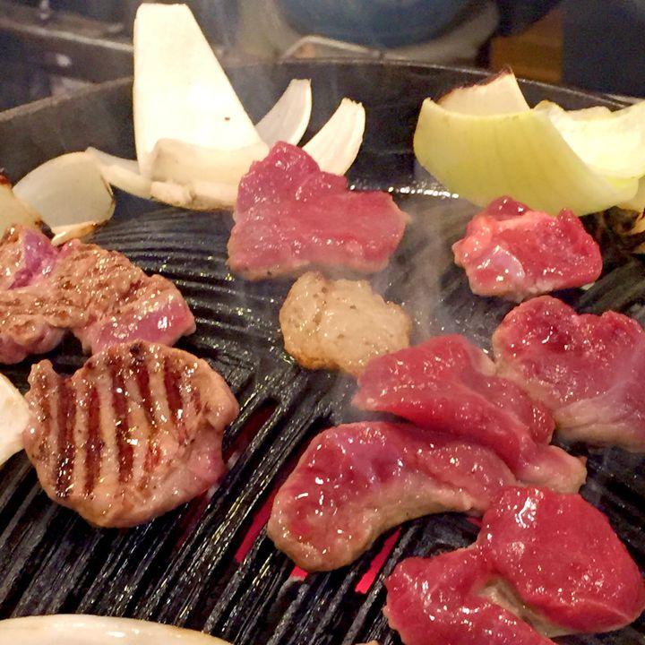 北海道でジンギスカンならココ!札幌「さっぽろジンギスカン」が犯罪級の美味しさ