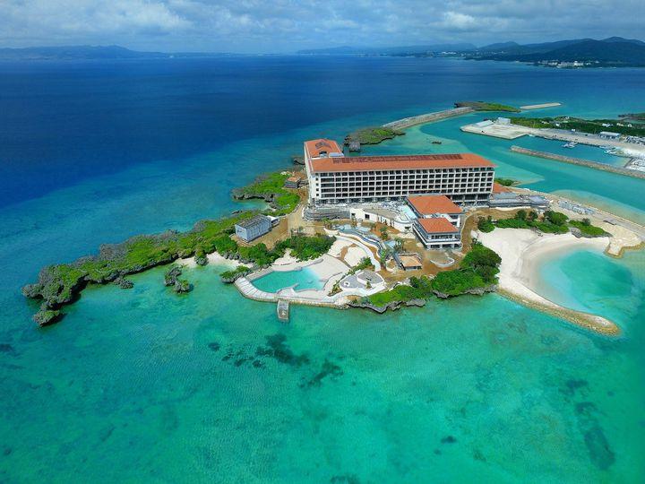 海に囲まれた絶景ホテル!「ハイアット リージェンシー 瀬良垣アイランド 沖縄」誕生