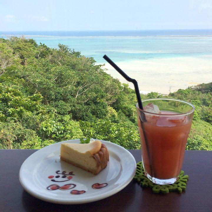 マイナスイオンを感じるカフェタイム。沖縄県・南城市のおしゃれなカフェ7選