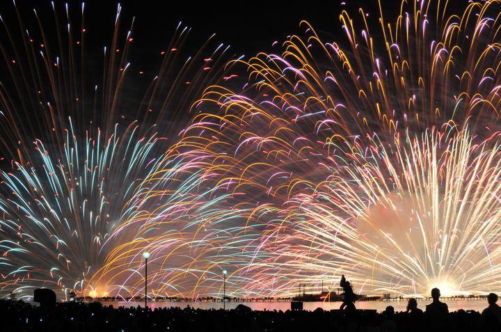 【終了】湖上に打ち上がる約40,000発もの花火!諏訪湖祭湖上花火大会はこの夏必見
