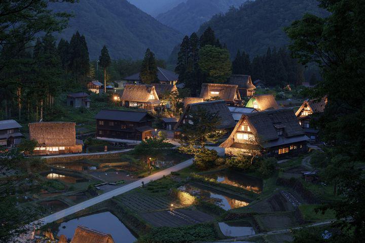 【終了】万緑にたたずむ日本の原風景。「相倉合掌造り集落ライトアップ」実施