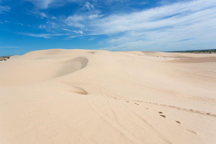 日本から6時間!知る人ぞ知るベトナムの「白い砂漠」が異世界すぎる