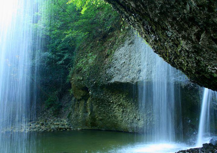 滝を裏から眺める!茨城県の「月待の滝」でしたい5つのこと