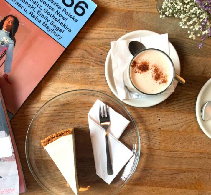 素敵な街の素敵カフェ。ベルリン「ファイブエレファント」のチーズケーキが絶品