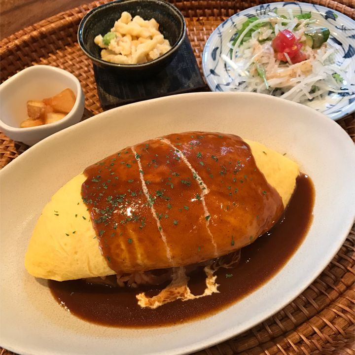 美しいふわとろオムライスが絶品!名古屋「CAFE BAGUS」をご紹介