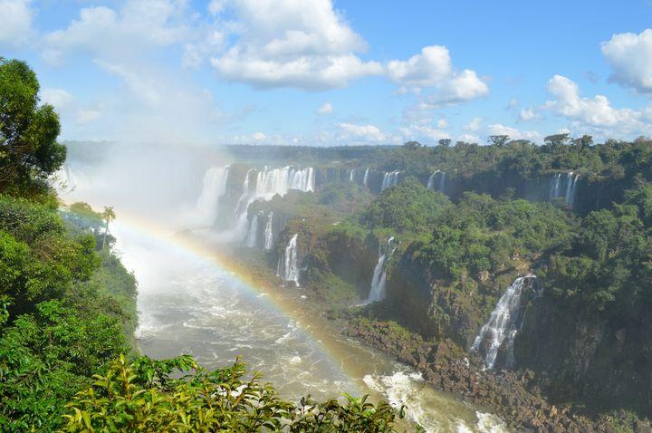 人生で一度は行ってみたい!世界の「美しすぎる滝」7選
