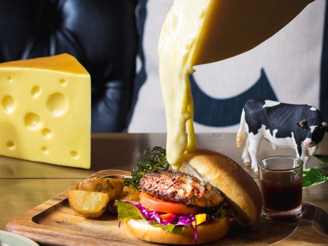 とろ~りチーズで話題のカフェ「C C C」が関西初となる神戸・三宮にオープン