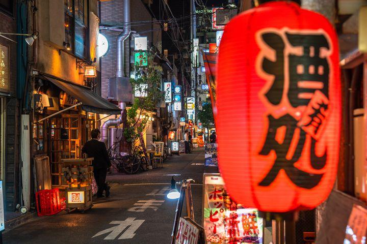【エリア別】今夜はサクッとハシゴ旅!東京都内の絶品立ち飲み居酒屋プラン