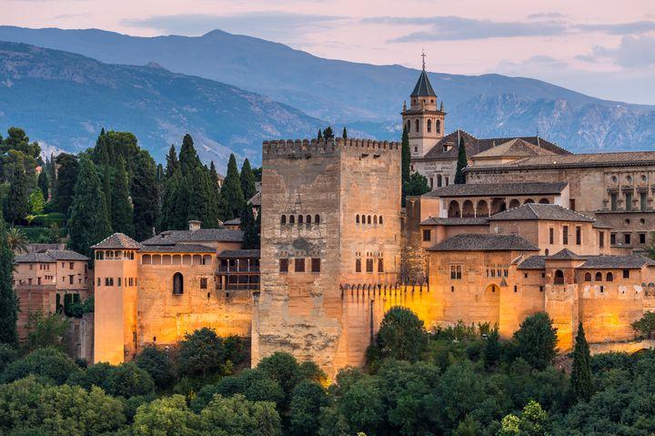 フラメンコ発祥の地!スペイン・グラナダの観光スポット7選