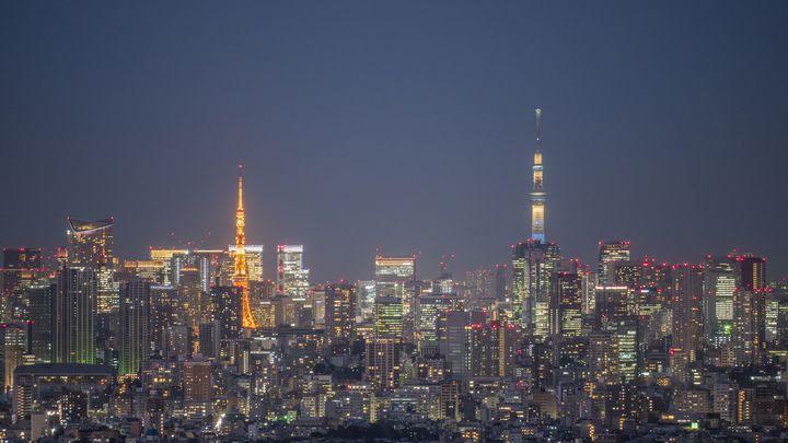 """2大観光スポットを徹底比較!魅力がぶつかり合う""""東京タワーvs東京スカイツリー"""""""