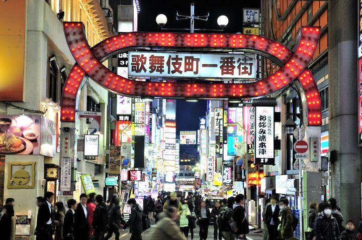 """新宿""""歌舞伎町""""を徹底解剖!エリア別7つのおすすめスポットをご紹介"""