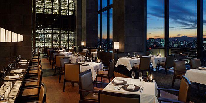 予約はお早めに!クリスマスディナーにおすすめの都内のレストラン7選をご紹介