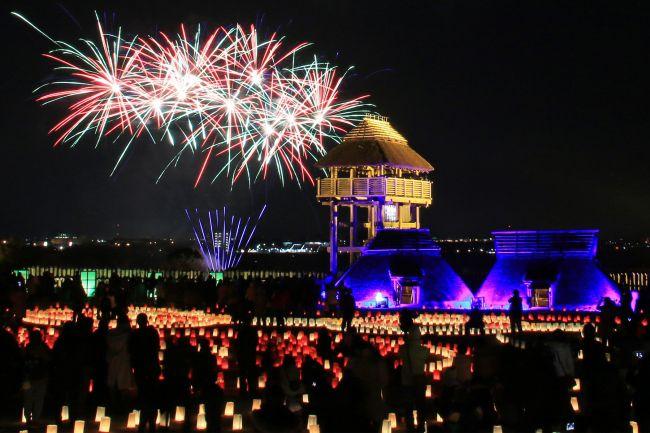 【終了】ライトアップイベントに約500発の花火も!佐賀で「吉野ヶ里 光の響」開催