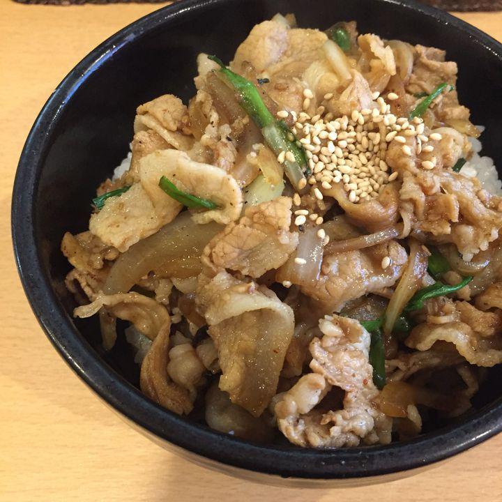 それは、誰もが認める神の味。茗荷谷の「札幌軒」で日本最高峰の肉丼を喰らいたい