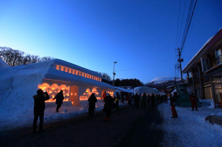 【終了】寒い冬には絶景を!山形県で「月山志津温泉 雪旅籠の灯り」が開催