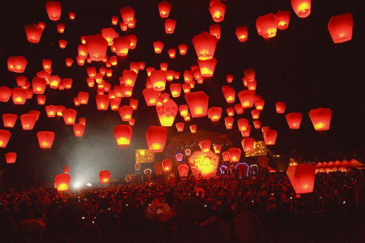 【終了】死ぬまでに一度は見たい絶景!台湾で「平渓天燈節」が開催