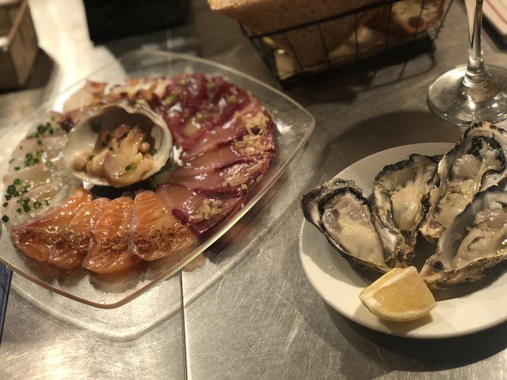 牡蠣がなんと1つ90円!池袋のバル「UOKIN」は行かなきゃ損