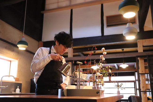 北欧家具とコーヒー。滋賀に古民家カフェ「MOV'S(town&coffee)」OPEN
