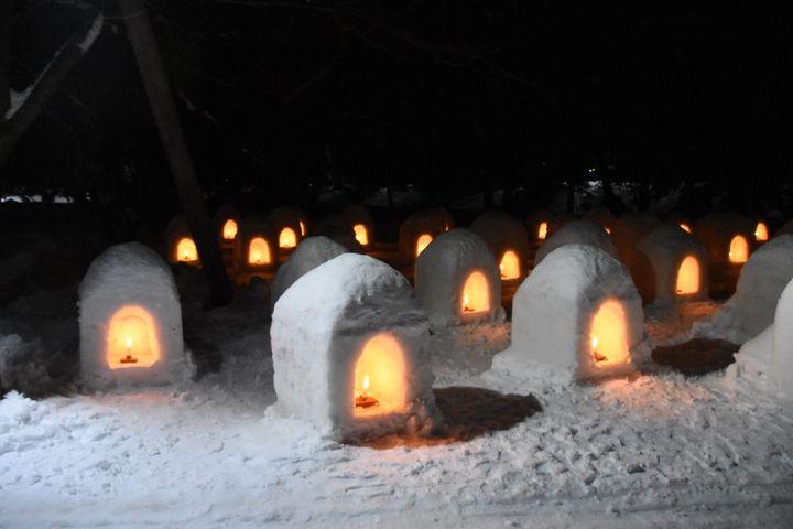 【終了】冬にも幻想的な絶景を。青森県で「弘前城雪灯籠まつり」が開催