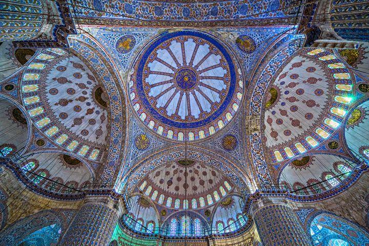 その美しさに思わず涙する。神秘の国「トルコ」で行きたい主要スポット8選