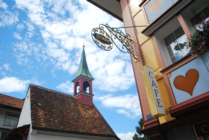 チーズの故郷でまったりとした旅を。スイス「アッペンツェル」でしたい5つのこと