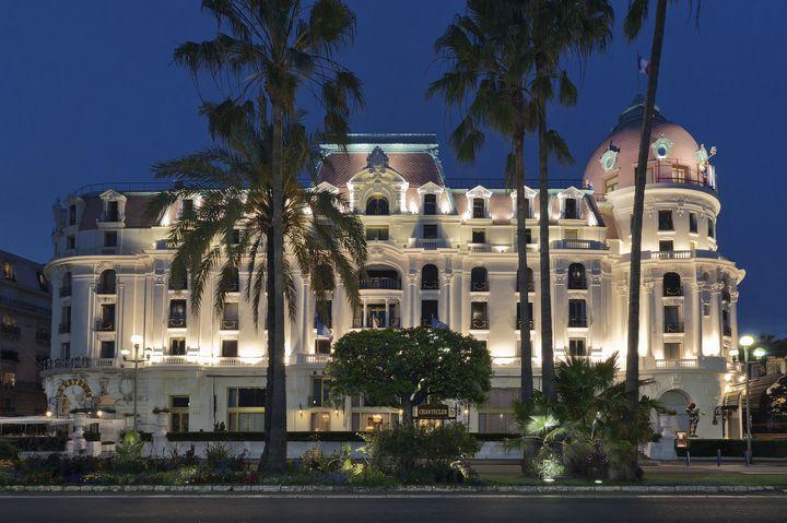 ニースを代表する老舗ホテルといえば、Le Negresco