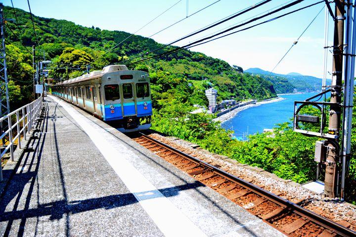 絶景の海景色で癒されたい。日本全国の''美しい海の見える''鉄道路線10選