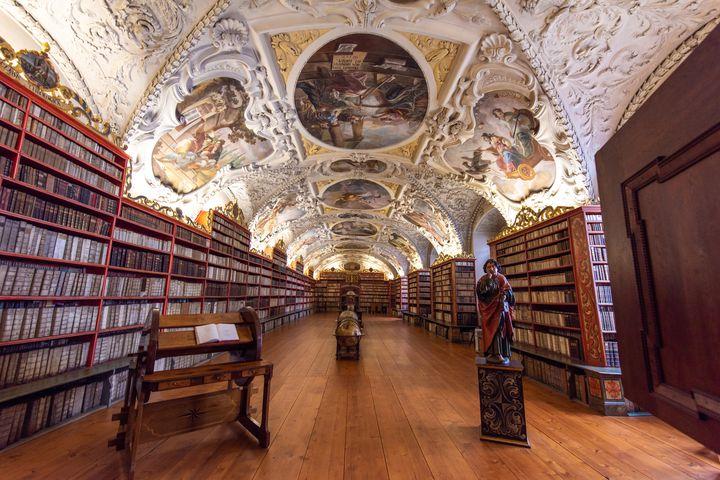 物語の世界を体感!素敵すぎる空間が広がる世界にある図書館10選