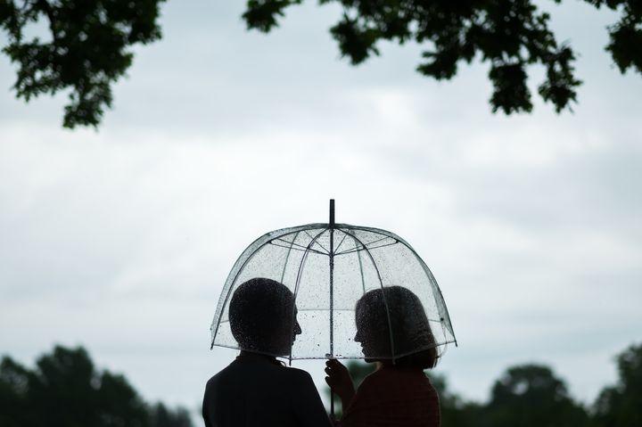 """「梅雨の日も悪くないね」。""""雨の日デート""""を楽しむ7つのアイデア"""