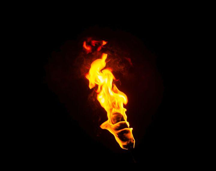 【終了】特別な年を彩る炎の絶景。鳥取県で「秋のたいまつ行列」が開催