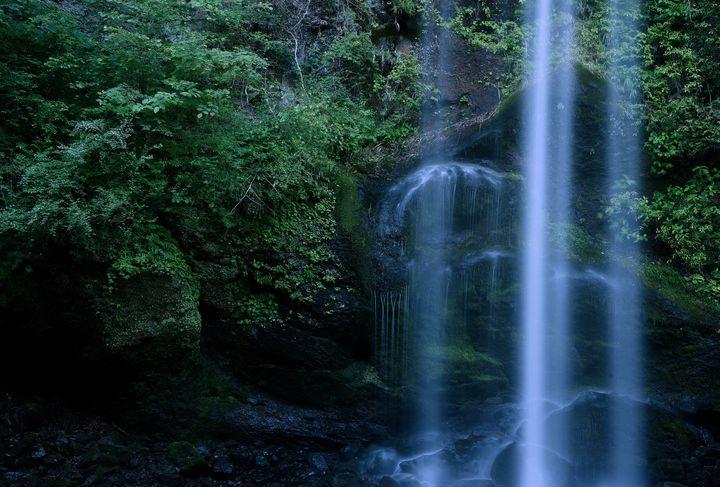 やる気スイッチ強制ON!「滝行」ができる東京都近郊の滝5選