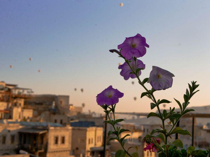 その絶景に心打たれる。話題沸騰トルコ・カッパドキアの気球が見える宿7選