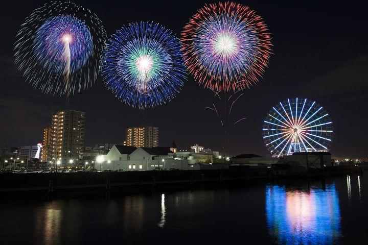 クリスマスの名古屋でしか体験できない冬花火を。「ISOGAI花火劇場」が開催